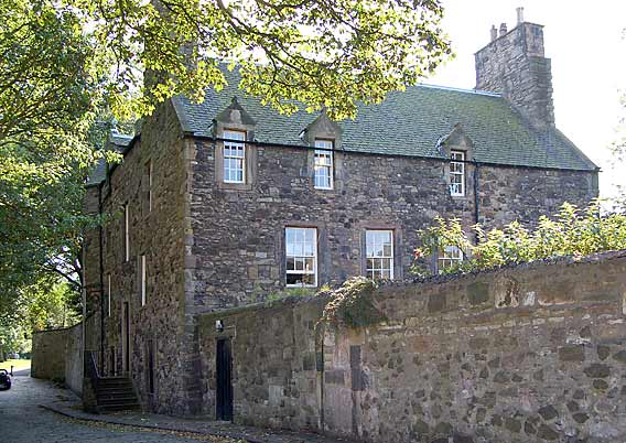 Croft-an-Righ  -  House near Holyrood  -  photographed September 2006