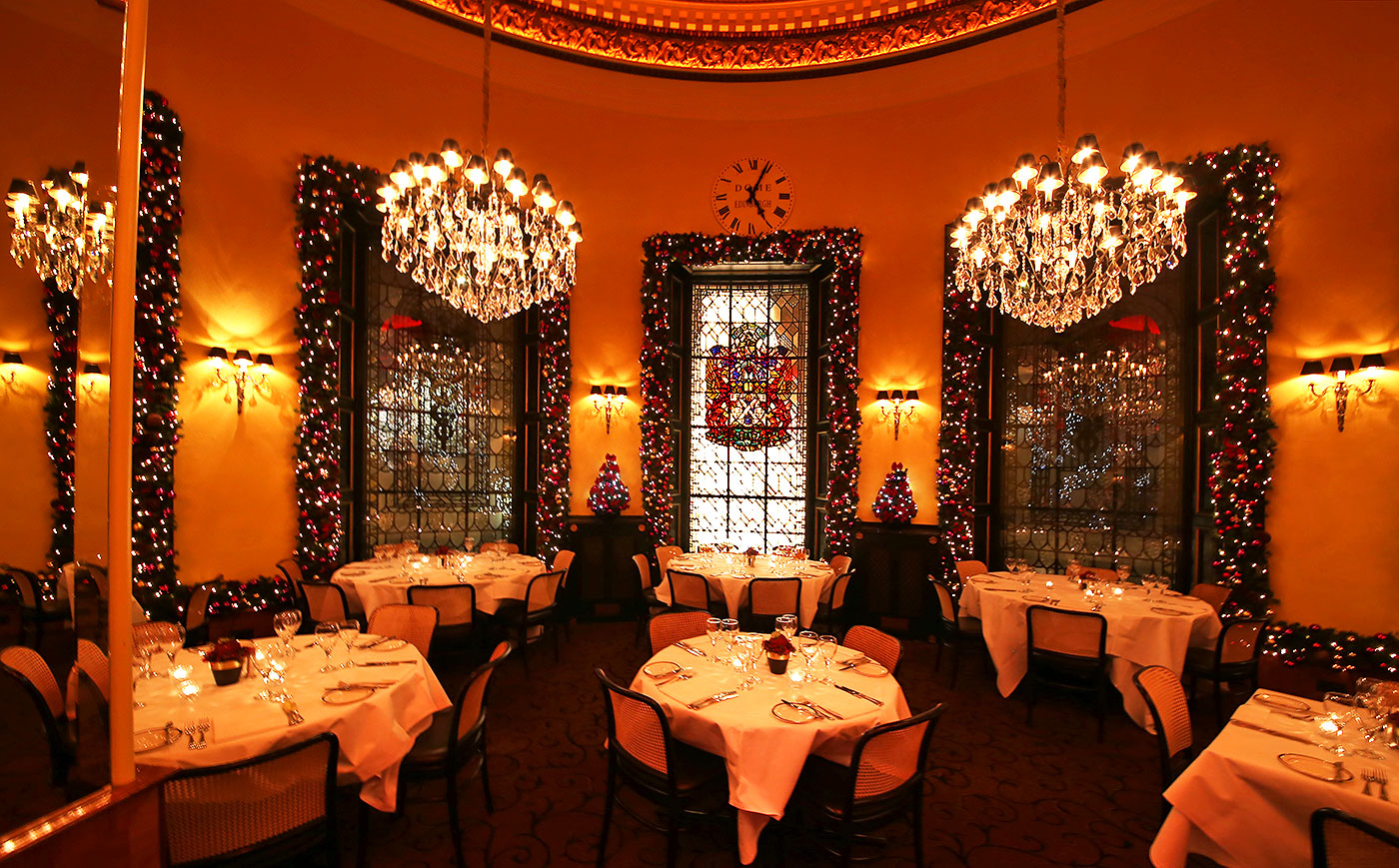 The dome restaurant 14 george street 14 george street exterior decorated for christmas 2013 - Restaurant decor supplies ...