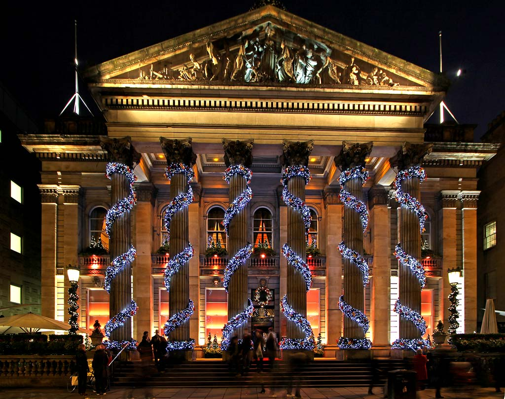 George Street - Christmas Decorations at The Dome ...
