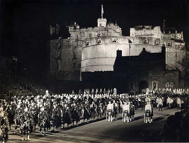 edinburgh castle military tattoo