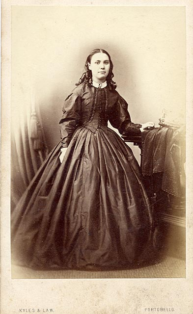Carte de visite  -  Kyles & Law  -  No address given  -  Lady