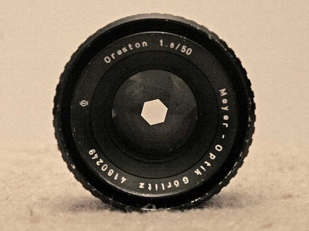 Lens for a Pentax lens - open to an aperture of about f6