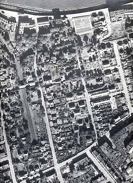 Aerial view of North-west Trinity  -   1947