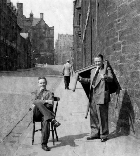 Photographs of the Dumbiedykes area of Edinburgh by Wullie Croal  -  1950s to 1970s