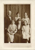 William & Agnes Mackintosh and family  -  Agnes was a daughter of John Horsburgh