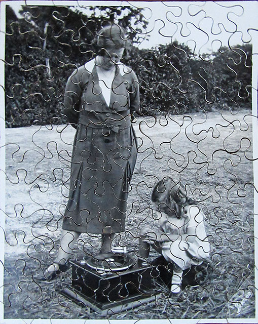 A Jerome jigsaw of a photo of Yvonne Wills' Nan and Mum, taken at a friend's house at Grove Ferry, Kent
