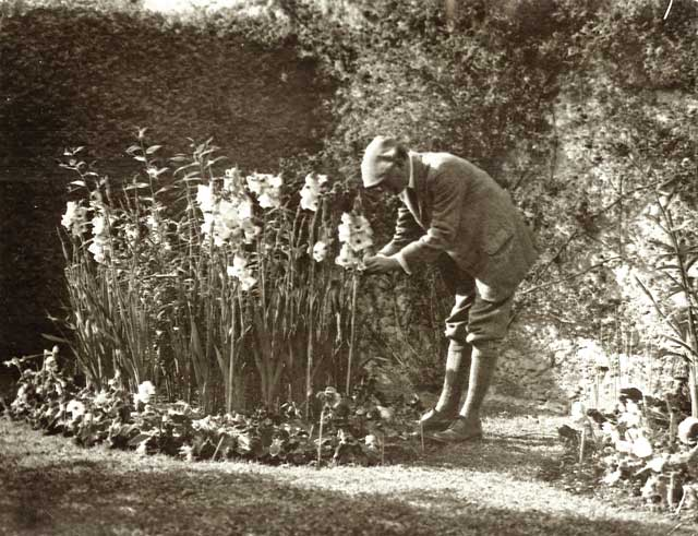 Photograph from the family of Horatio Ross  -  At work in the Garden  -  Which garden