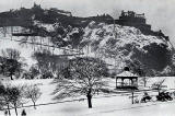 W R & S Ltd  -  Photograph of Edinburgh in the early-1900s  -  Edinburgh Castle and Princes Street Gardens in the Snow