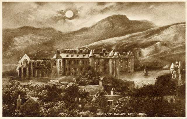 Valentine Postcard  -  Holyrood Palace and Arthur's Seat in Holyrood Park  -  1923  -  Photogravure