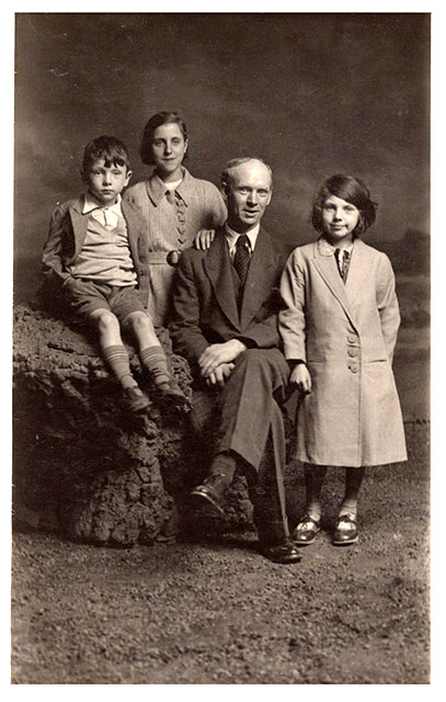 Photo from the studio of Robert McLelland  -  Family Group, possiblyy with Grandfather.