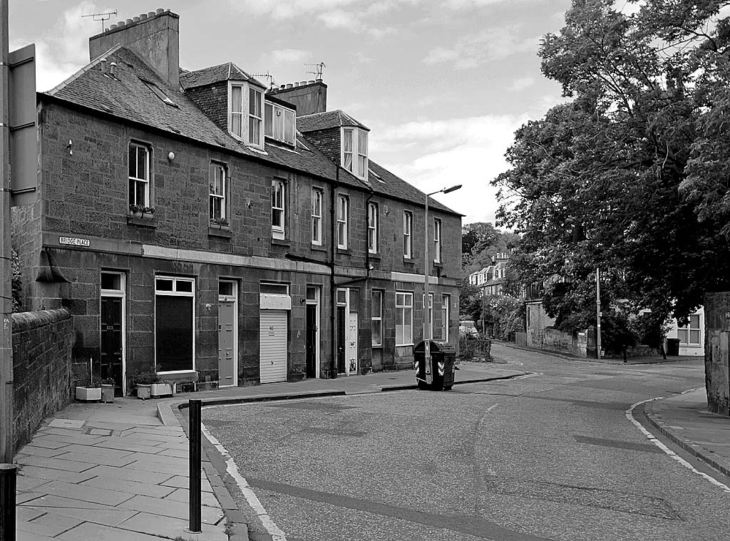 Bridge Place at the western end of Glenogle Road.  Glenogle Road leads from Stockbridgge to Canonmills   -  Photo taken 2011