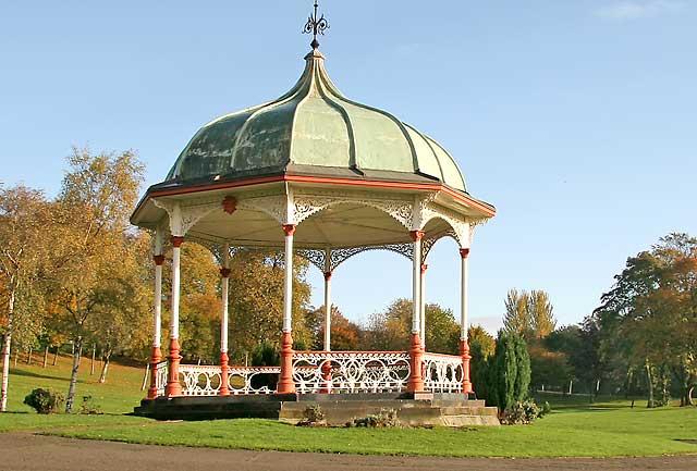 bandstand in dunfermline public park photographed. Black Bedroom Furniture Sets. Home Design Ideas