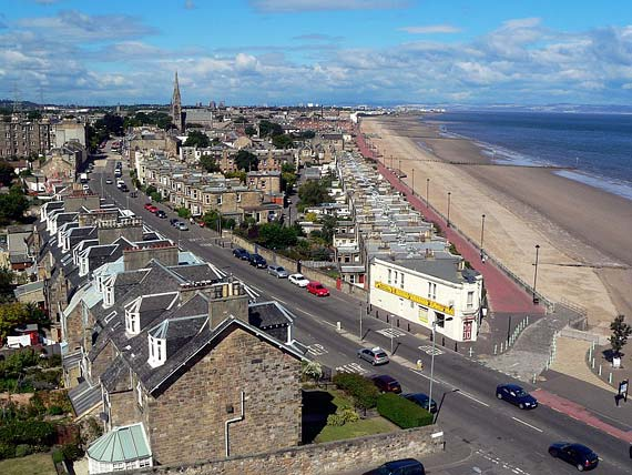 Photograph looking towards Portobello from Joppa  -  taken by Lee Kindness on 5 August 2005