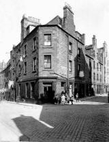 Leith  -  Giles Street + St Andrew's Wynd, around 1920