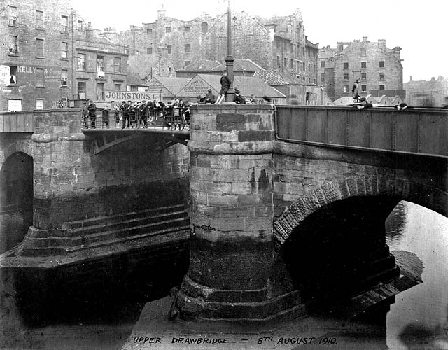 Upper Drawbridge over the Water of Leith at Sandport Place, Leith  -  2010Lower Drawbridge over the Water of Laith at The Shore, Leith  -  Removed 1910