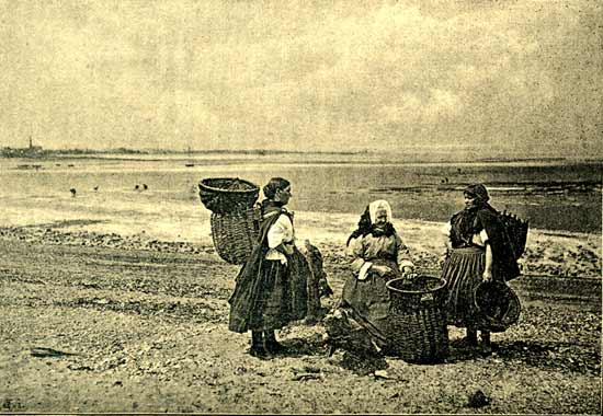Musselburgh Fishwives by the shore.  Photographed during the Photographic Convention of the UK in Edinburgh, 1892.