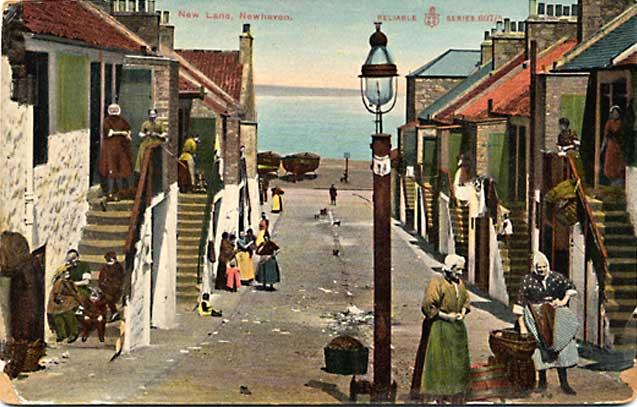 Newhaven, New Lane  -  Post Card by WR&R -  Reliable series -  enlarged
