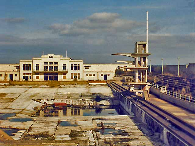 Portobello open air swimming pool now closed 1985 for Portobello outdoor swimming pool