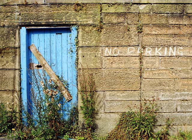 "Edinburgh Waterfront  -  Middle Pier, Granton Harbour. ""No Parking""  -  25 September 2002"