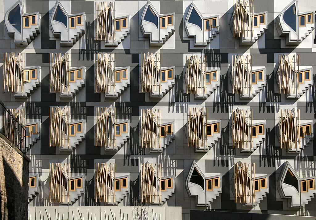 0_buildings_-_scottish_parliament_window