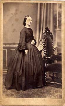 Carte de Visite of a Lady  -  by Howie & Bonne