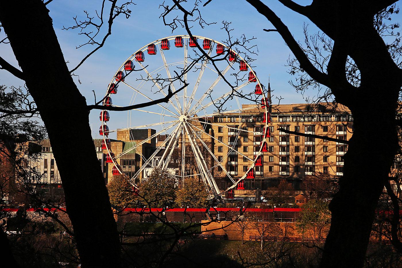 Edinburgh\'s Christmas 2013 - The Edinburgh Wheel in East Princes ...