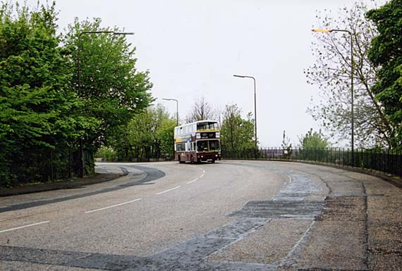 No 17 Bus in Granton Road in 2003 following one of the old tram routes