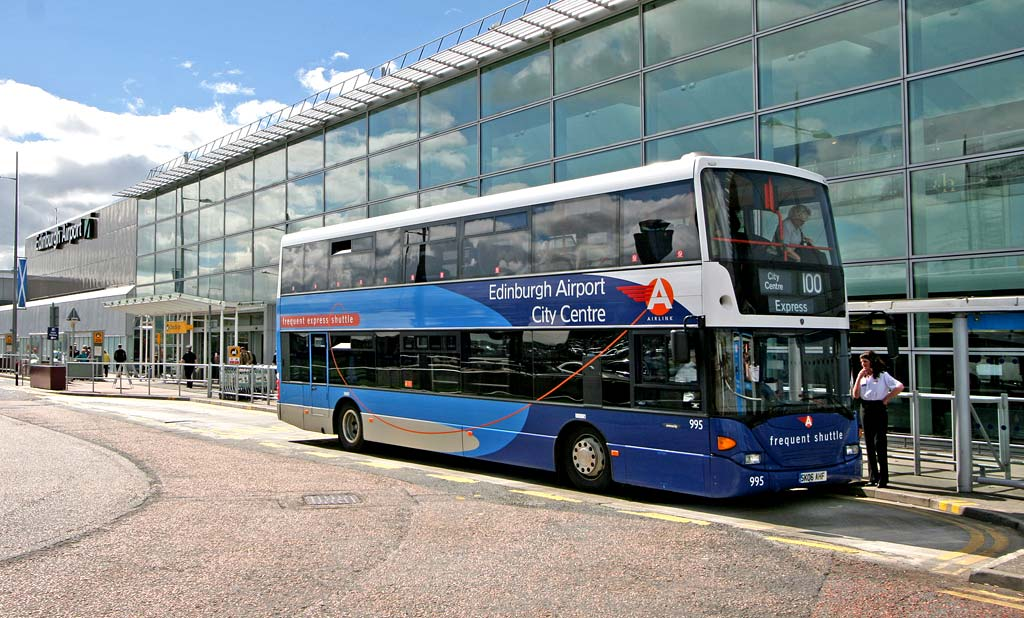 Lothian Buses  -  Terminus  -  Edinburgh Airport  -  Routes 35 and 100
