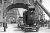 A transformer from Bruce Peebles' works in Edinburgh passes through Edinburgh in the early 1900s