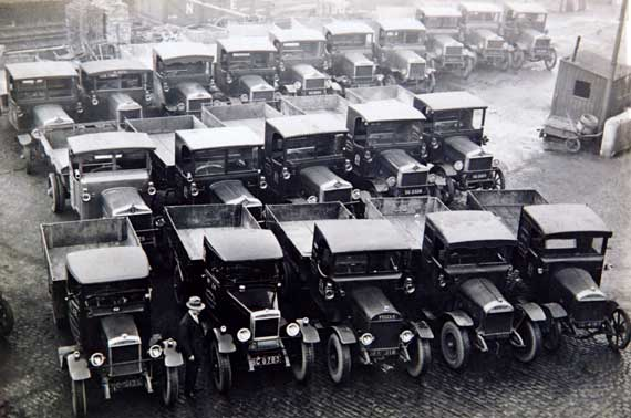 Edinburgh Corporation  -  Lorries  -  probably photographed around the 1920s