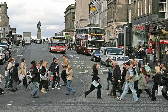 http://www.edinphoto.org.uk/0_edin_t/0_edinburgh_transport_pedestrians_-_hanover_street_028840.jpg