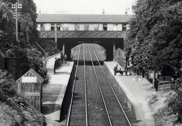 Zoom in to a  photograph of Granton Road Station  -  1934