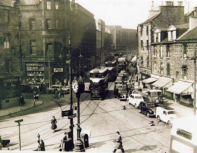 Trams and other traffic at Tollcross