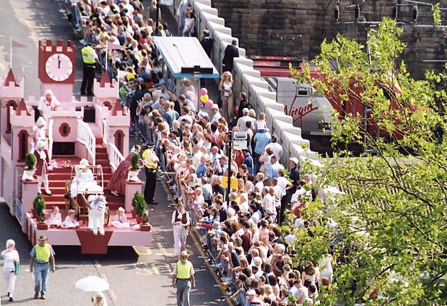 Edinburgh Festival Cavalcade 2004  -  The Slipper and the Rose