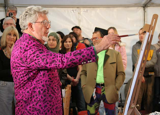 Rolf Harris at The Mound, Edinburgh  -  Recreating the Mona Lisa  -  28 August 2005