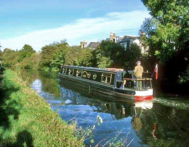Edinburgh Photographic Society  -  Wednesday Evening Walkabout to the Union Canal in the 1990s  -  at Corstorphine