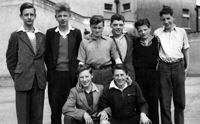 Nidrie Marischal School Football Team, 1951-52