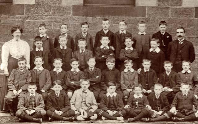 year six at torphichenstreet school edinburgh 1906