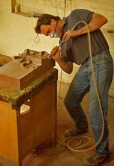 Mise au points - 3 compas 0_my_photographs_edinburgh_at_work_-_lindsay_stonemasons_ok29