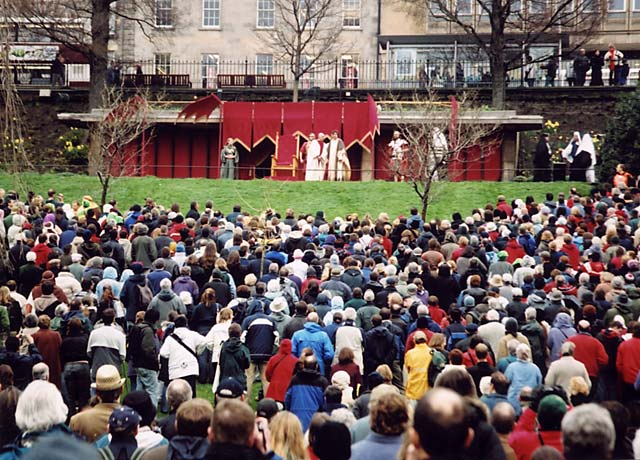 The Easter Play in West Princes Street Gardens  -  26 March 2005  -  The Trial by Pilate