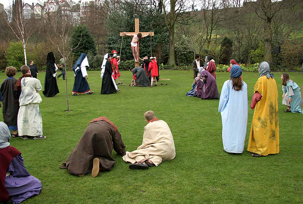 Easter Play  -  Princes Street Gardens, Edinburgh  -  Garden of Gethsemane  -  April 2006