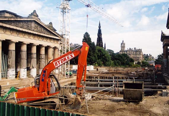 National Galleries of Scotland  -  Excavation work for the Playfair Project  20 August 2002
