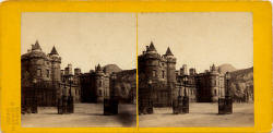 Stereo View of Holyrood Palace from the Palace Gates  -  Lennie