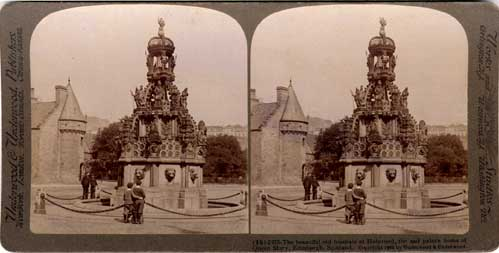Stereo View of the Fountain at Holyrood Palace  -  Underwood & Underwood