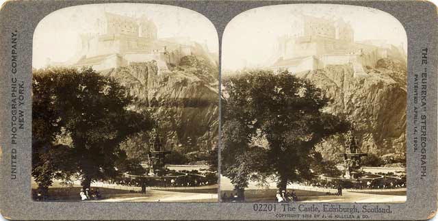 Stereo view of Edinburgh Castle from West Princes Street Gardens  -  by United Photographic Company