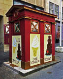 Former Police Box in Lawnmarket, n ow selling ice cream - August 2015