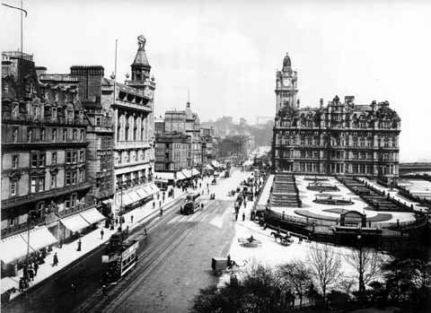 Princes Street  -  Looking East from Scott Monument  -  1912