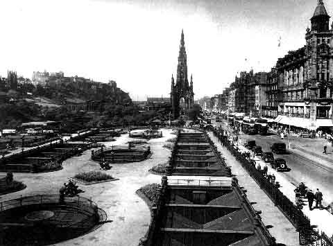 Princes Street  -  Looking West from North British Hotel  -  c.1940