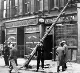 South Clerk Street  -  Lamp post accident, 1948